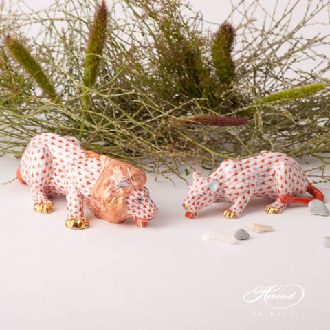 Lion and Lioness animal figurines - Herend Red Fish Scale VHR design. Herend fine china. Herend animal figurines. Handpainted.