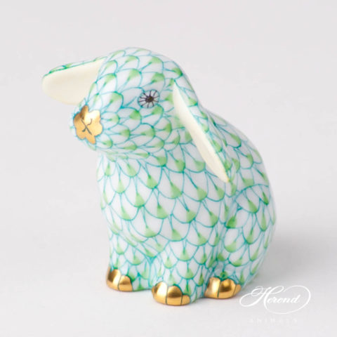 """scale design.Herend fine china animal figurine. Hand painted. Height 7.5 cm (3""""H)."""