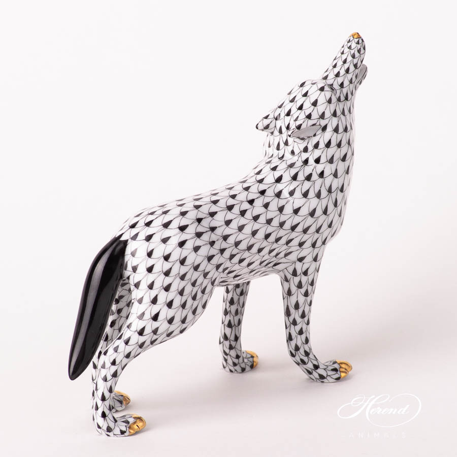 "Wolf 15689-0-00 VHNM Black Fish Scale design. Herend fine china animal figurine. Handpainted. Length: 14.5 cm (5.75""L)."