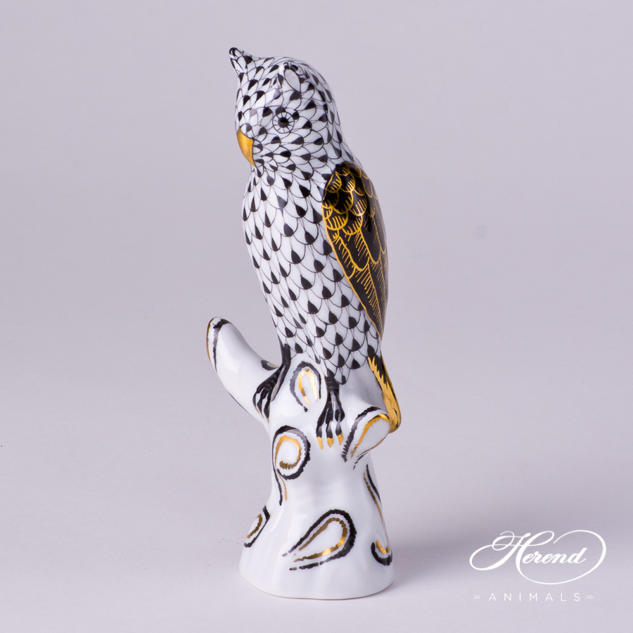 """Owl on Brunch 5103-0-00 VHNMM Black Fish scale decor. Herend fine china animal figurine. The wings of the Owl is black and decorated with gold. Hand painted. Height: 13.3 cm (5.25""""H)"""