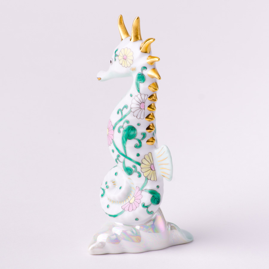"""Seahorse 15325-0-00 SBC Special Green Flower decor. Herend fine china animal figurine. Hand painted. Height 10.2 cm (4""""H)"""