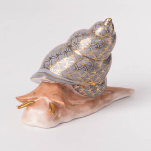 """Snail 15375-0-00 VHSP89 Special Grey Fish scaledesign.Herend fine china animal figurine. Handpainted. Length: 9.8 cm (4""""L)."""