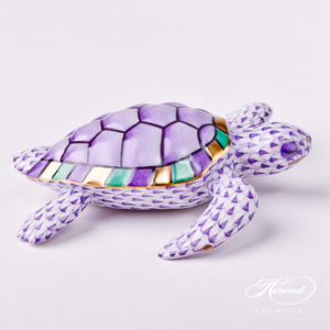 "Loggerhead Turtle 15460-0-00 VHL Lilac Fish scale decor. Herend Fine china animal figurine. Hand painted. Length: 11.0 cm (4.25""L)"