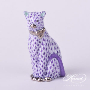 "Cat with Ribbon 15536-0-00 VHL-PT Lilac Fish Scale with Platinum decor. Herend Fine china animal figurine. Hand painted. Height: 8.6 cm (3.5""H)"