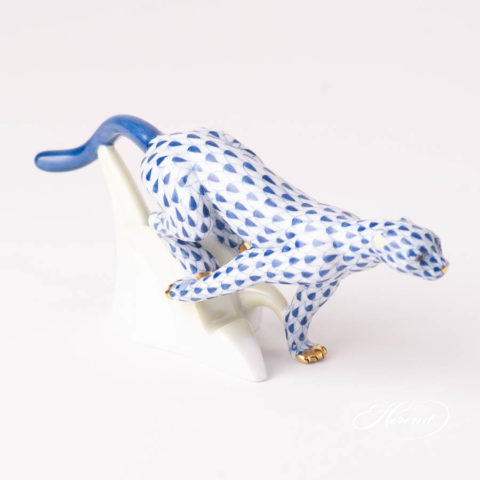 Guepard or Cheetah 15573-0-00 VHFB Navy BlueFish scale design. Herend fine china