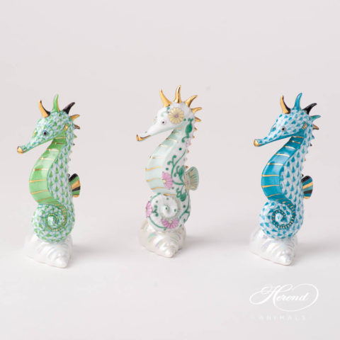 Seahorse 15325-0-00 VHV2 Light Green Fish scale design. Herend fine china