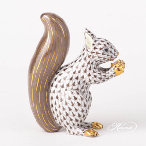 Squirrel 15388-0-00 VHBR1 Brown Fish scale design. Herend fine china