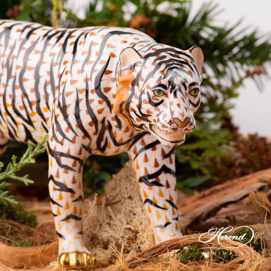 Sumatran Tiger 15688-0-00 VHSP128 SpecialFish scale design. Herend fine china