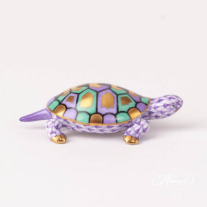 Turtle 15508-0-00 VHL Lilac Fish scale design. Herend fine china